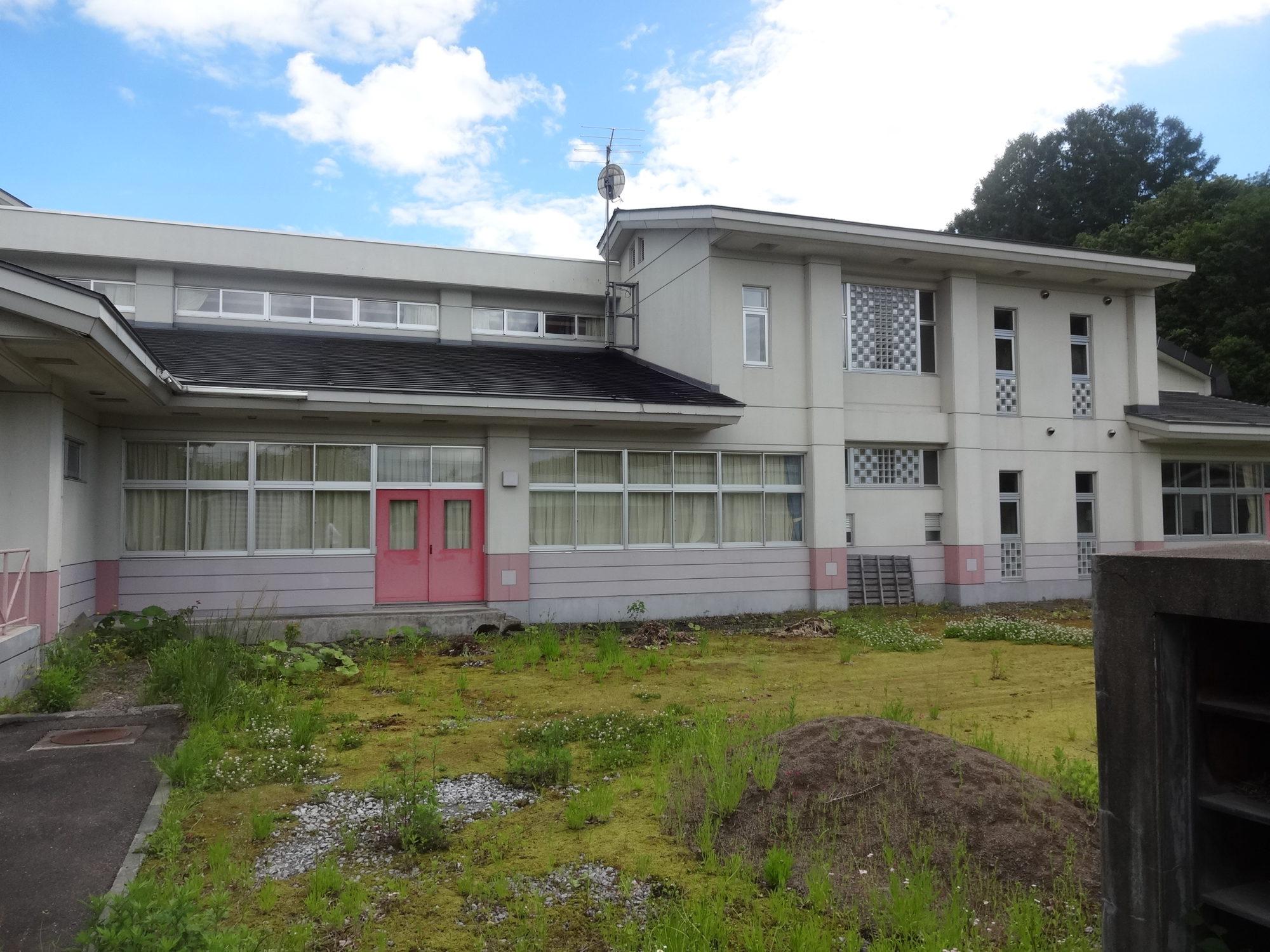 南山形小学校-外観1
