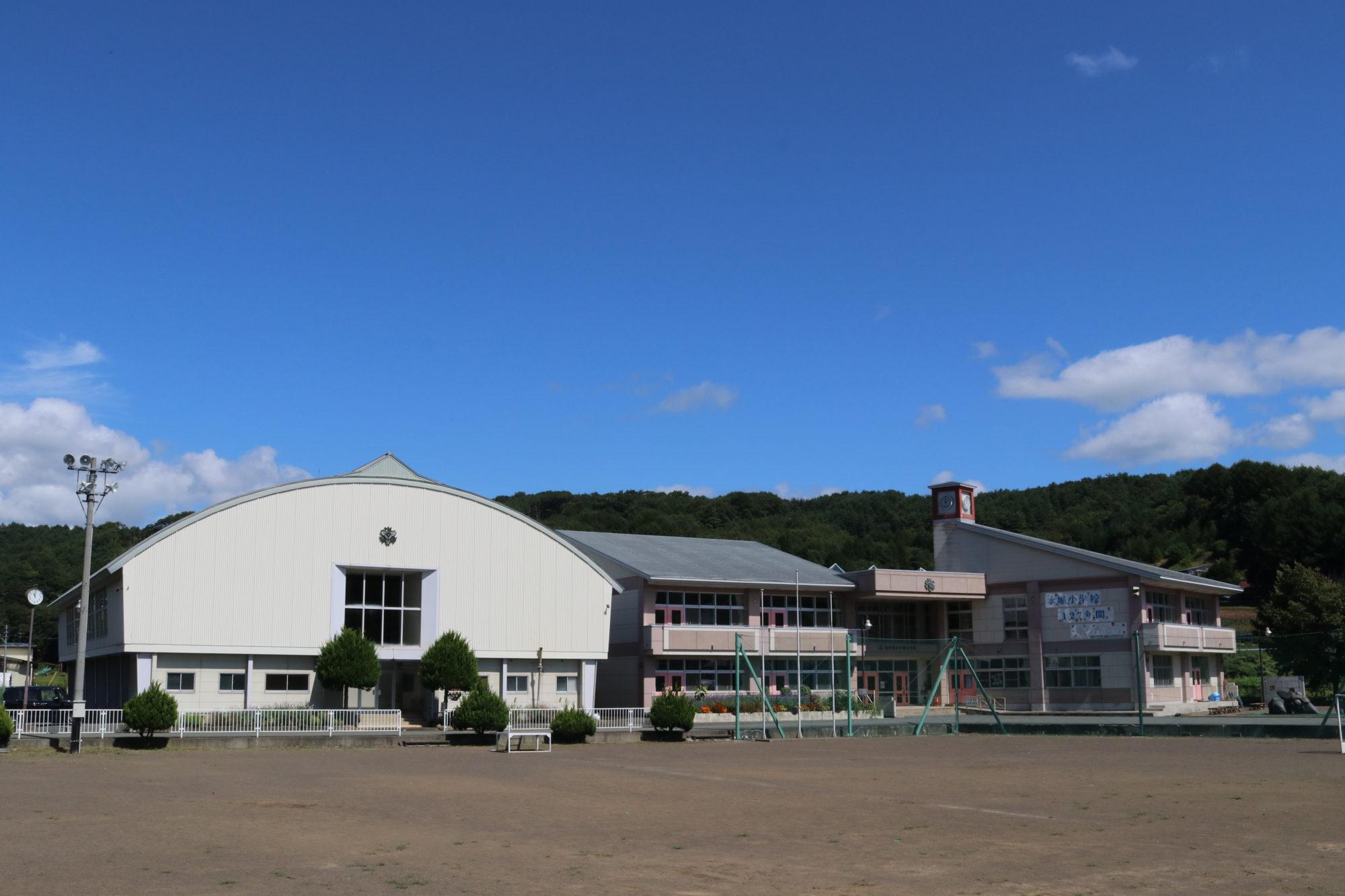 水堀小学校-外観1
