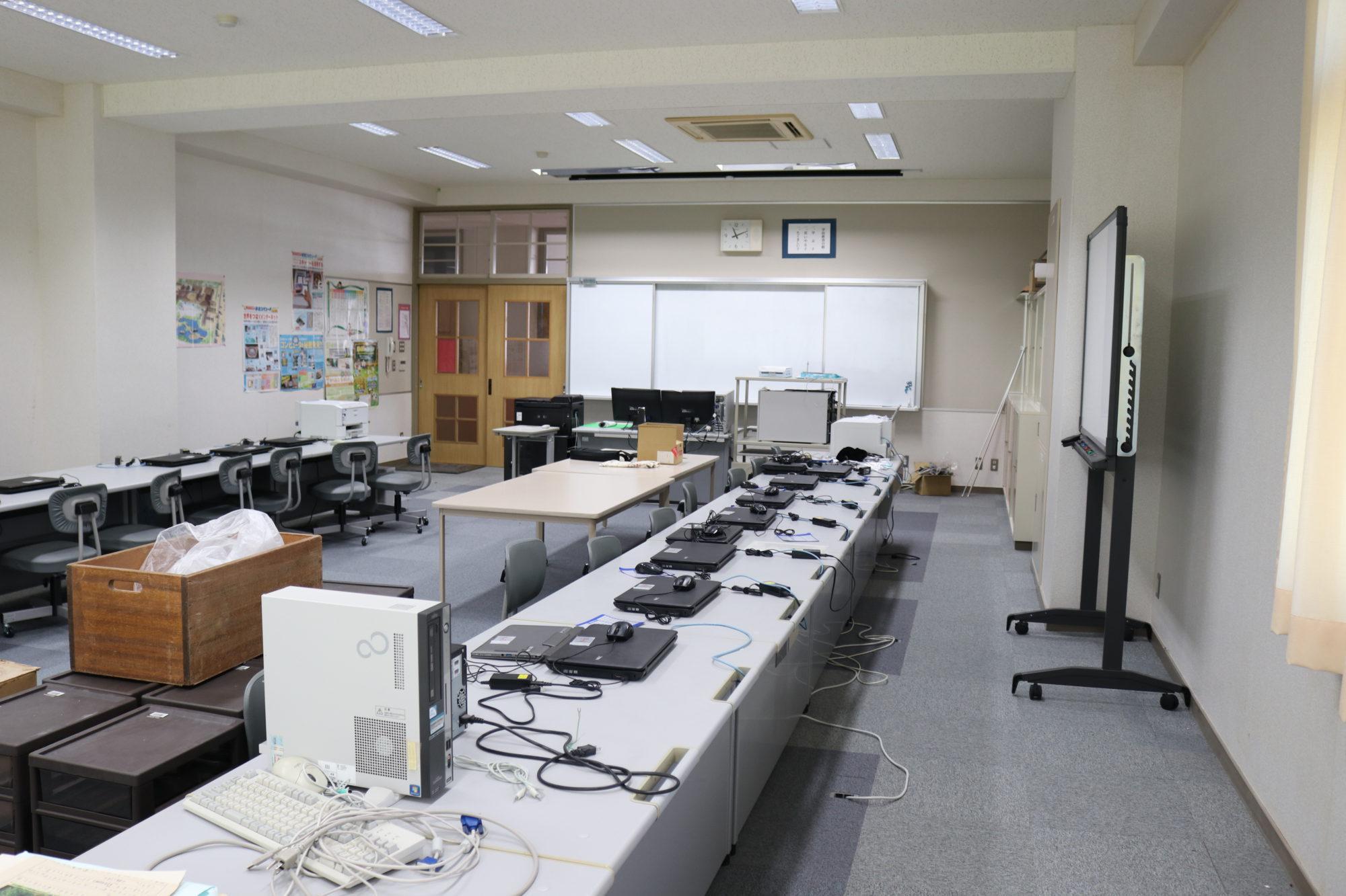 水堀小学校-内観6