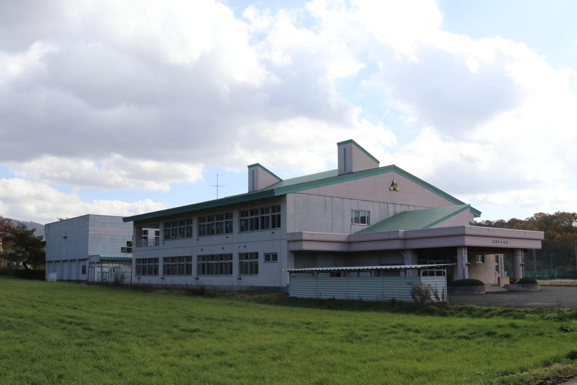 北山形小学校-外観1