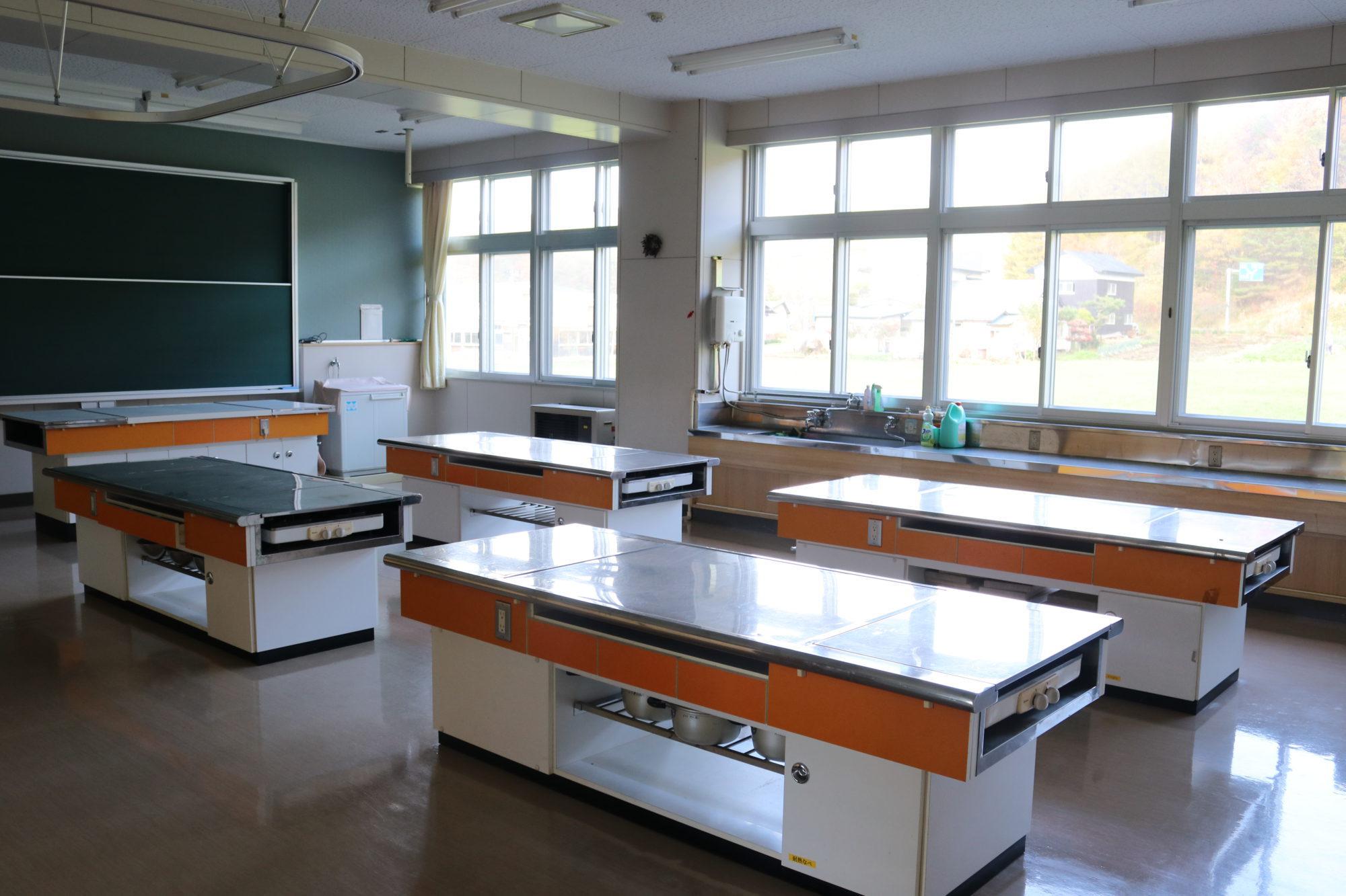 北山形小学校-内観4