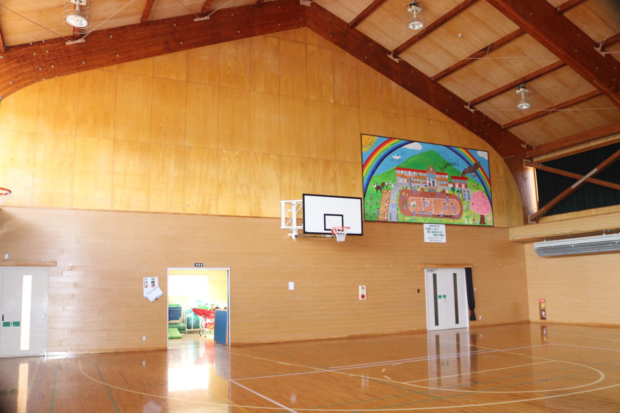 浮島小学校-アリーナ